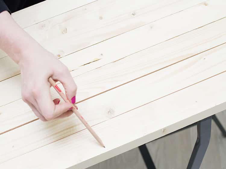 Dekoratif Asimetrik Ahşap Masa Nasıl Yapılır (2)