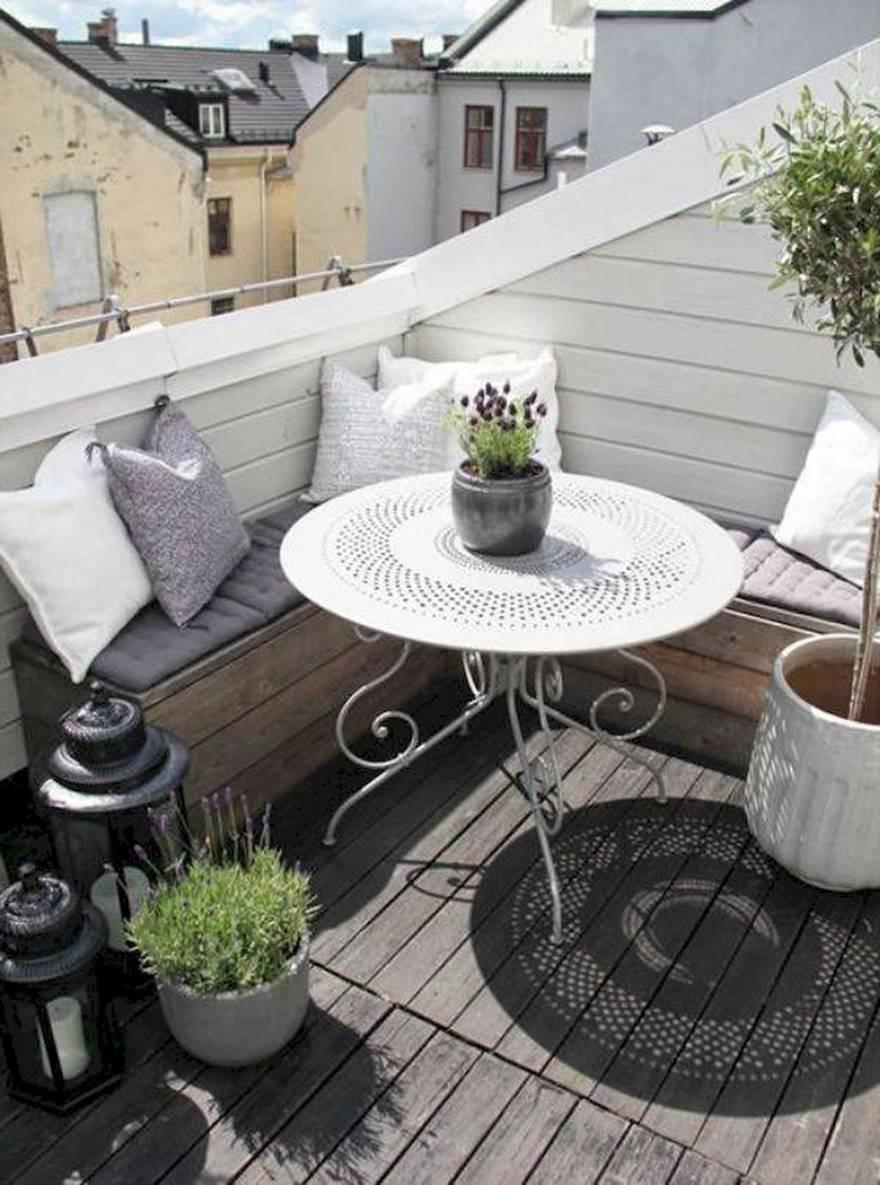 Kucuk Balkon Dekorasyonu Fikirleri Fotograf Galerisi (63)