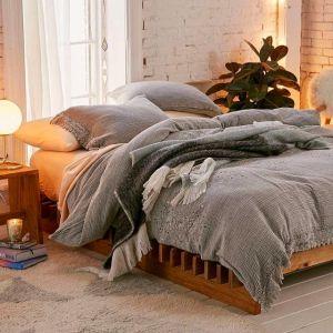 Evli ciftler icin yatak odası dekorasyonu (26)