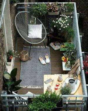 Kucuk Balkon Dekorasyonu Fikirleri Fotograf Galerisi (48)