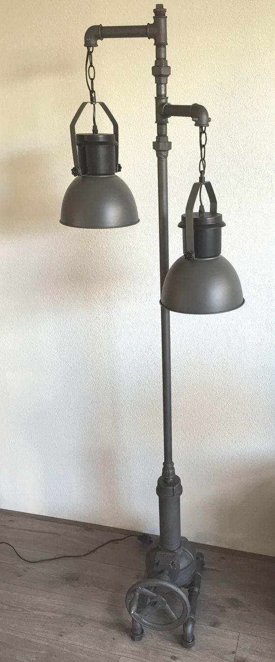 Metal Boru İle 35 Farklı Modern Tasarım Dekorasyon Fikirleri (15)