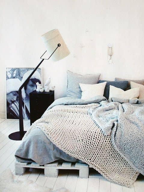 yatak-odaniza-ahsap-palet-yatak-fikirleri-10