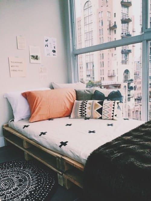 yatak-odaniza-ahsap-palet-yatak-fikirleri-27